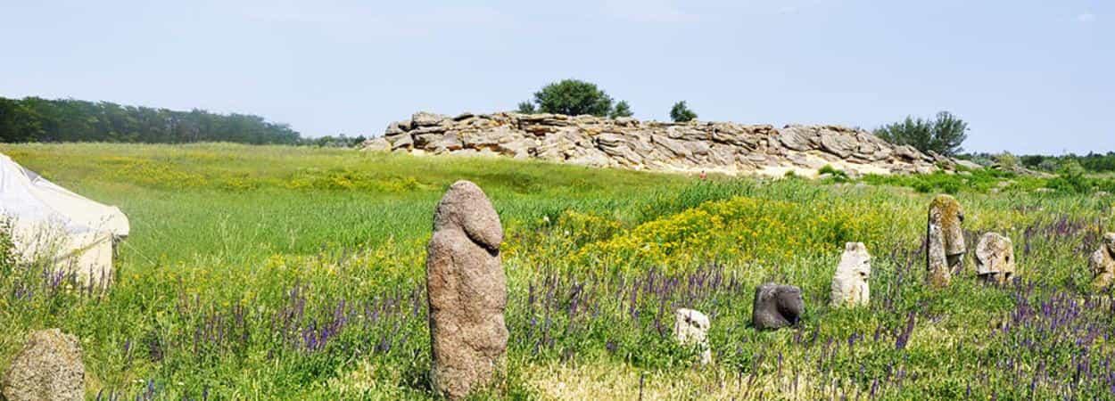 Древние святилища Хортицы и Каменной могилы
